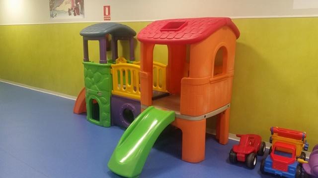 Children playroom (Kids Lounge) at Madrid Barajas Airport – zona infantil