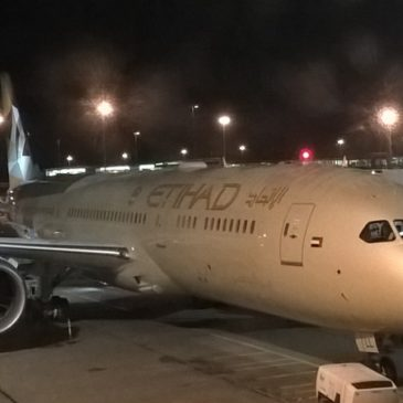 Etihad Airways from Amsterdam (AMS) to Abu Dhabi (AUH) on the 787